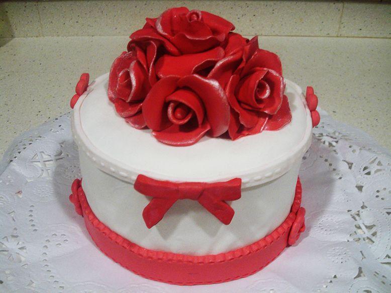 Pastel de rosas fondant
